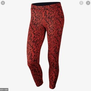 NIKE Small Red Black Patterned Athletic Leggings S